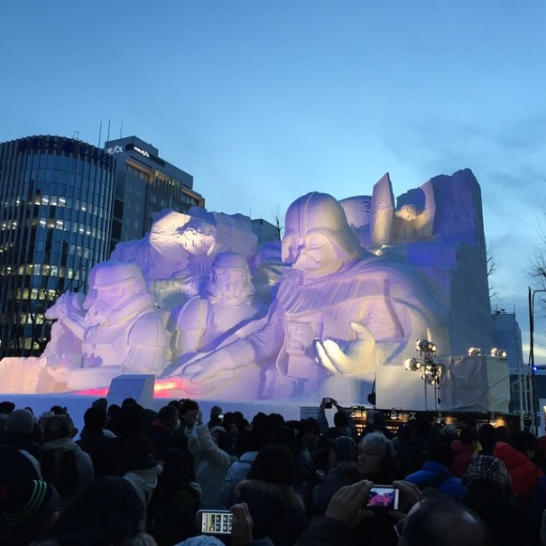 giant-star-wars-snow-sculpture-sapporo-festival-japan-23-605x605